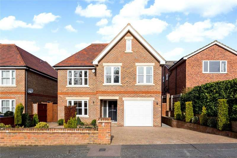 6 Bedrooms Detached House for sale in Kildonan Close, Watford, Hertfordshire, WD17