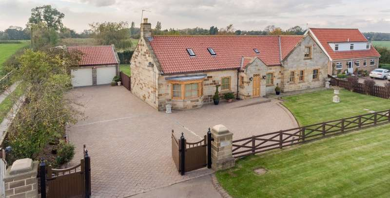 4 Bedrooms Detached House for sale in The Views, High Street (B1257), Stokesley, Middlesbrough, Cleveland, TS9 5JQ