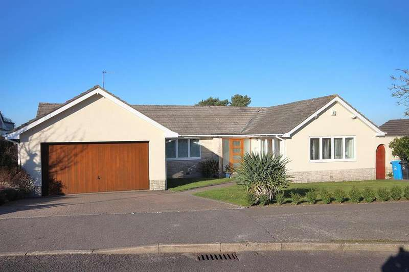3 Bedrooms Detached Bungalow for sale in Merriefield Drive, Broadstone