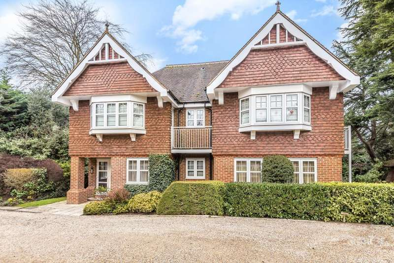 2 Bedrooms Flat for sale in Hillgrove House, Harrow Lane, SL6