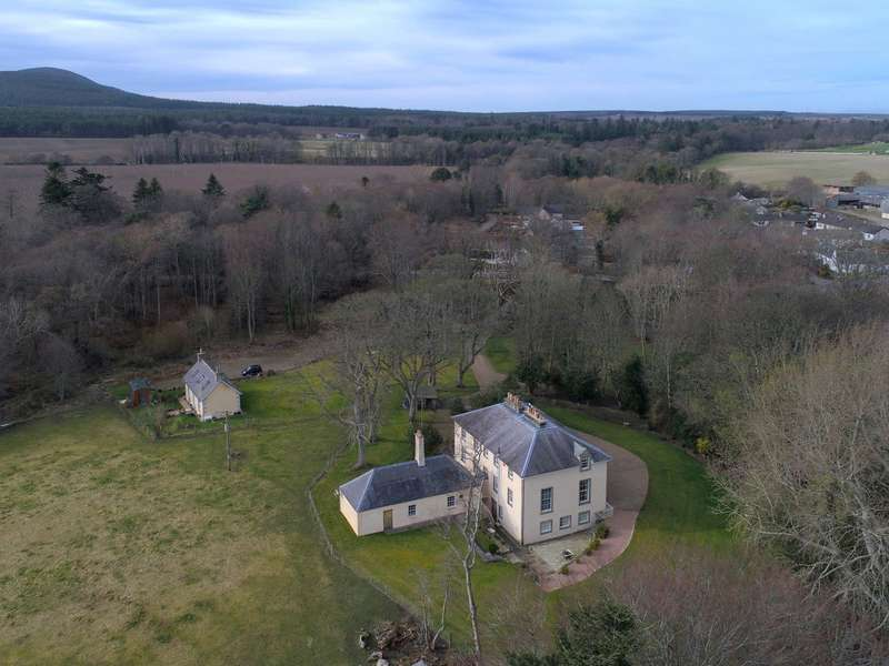 6 Bedrooms Detached House for sale in Tochieneal House and Cottage, Lintmill, Cullen, Moray, AB56
