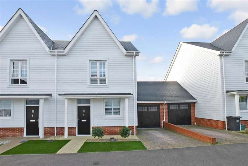 3 Bedrooms Semi Detached House for sale in Poynder Drive, , Holborough Lakes, Kent