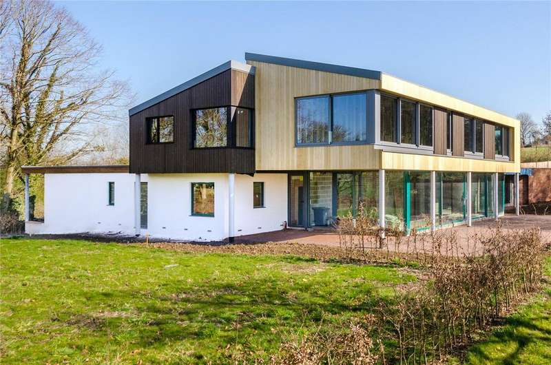 5 Bedrooms Detached House for sale in The Common, East Stour, Gillingham, Dorset, SP8