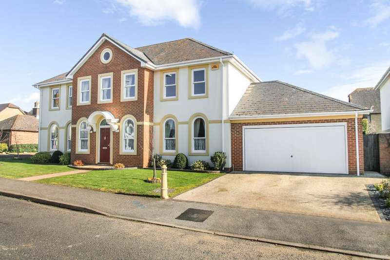 5 Bedrooms Detached House for sale in Ayleswater, Aylesbury
