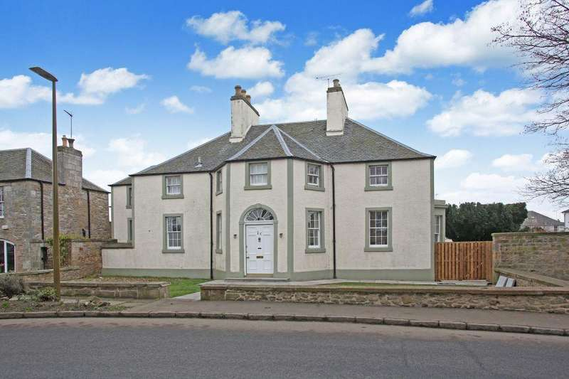 4 Bedrooms Flat for sale in Hillview House, 1B Main Street, Ormiston, EH35 5HY