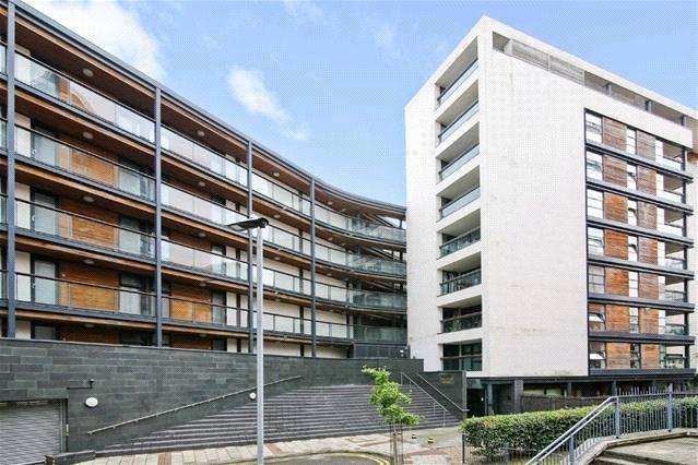 2 Bedrooms Flat for sale in Hallings Wharf Studios, 1 Channelsea Road, London, E15