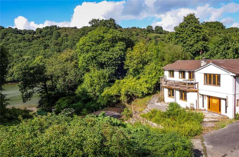 4 Bedrooms Detached House for sale in Lanteglos, Fowey, Cornwall, PL23