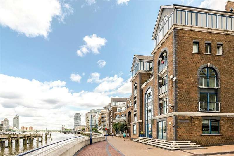 2 Bedrooms Flat for sale in Molasses House, Clove Hitch Quay, London, SW11