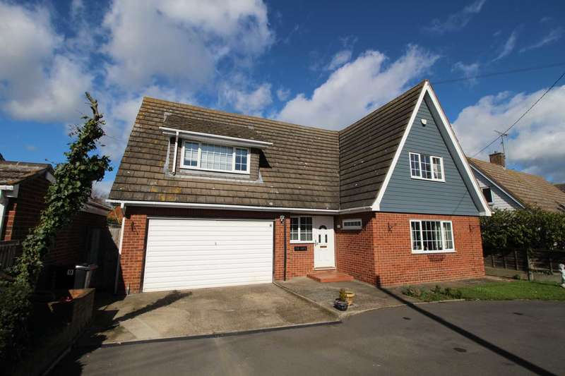 5 Bedrooms Detached House for sale in Steeple Road, Mayland