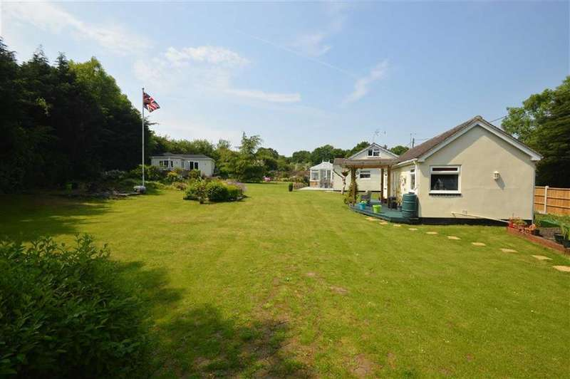 4 Bedrooms Detached Bungalow for sale in The Chase, Ashingdon, Essex