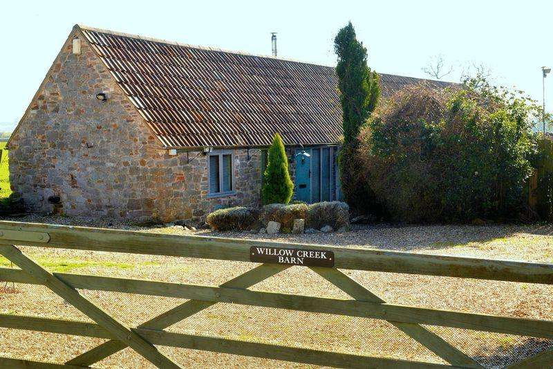 2 Bedrooms Detached Bungalow for sale in The Green, Heathend, Wotton-Under-Edge