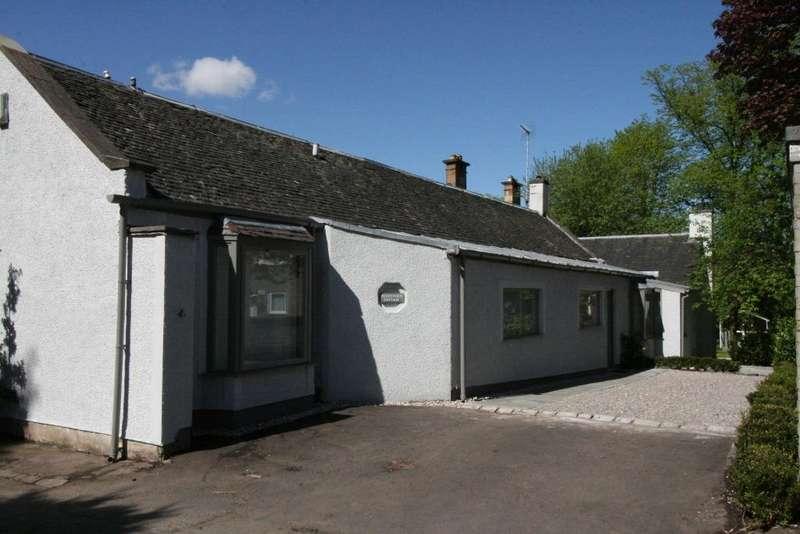 3 Bedrooms Detached House for rent in Hughenden Cottage, Hyndland, Glasgow, G12 9UN