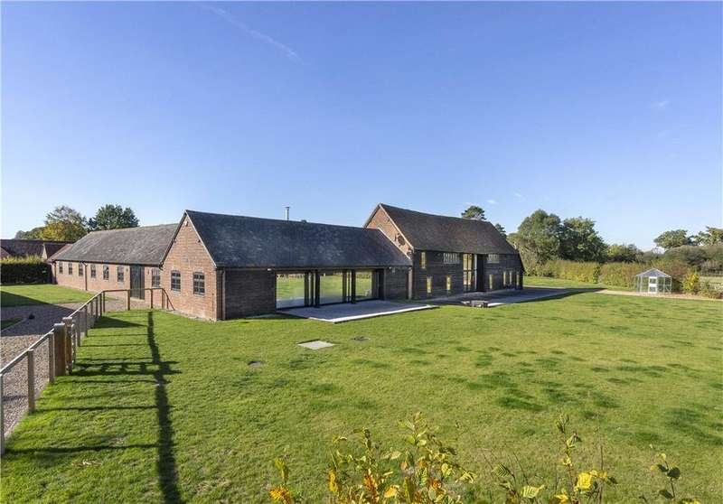 6 Bedrooms House for sale in Ashley Green, Buckinghamshire, HP5