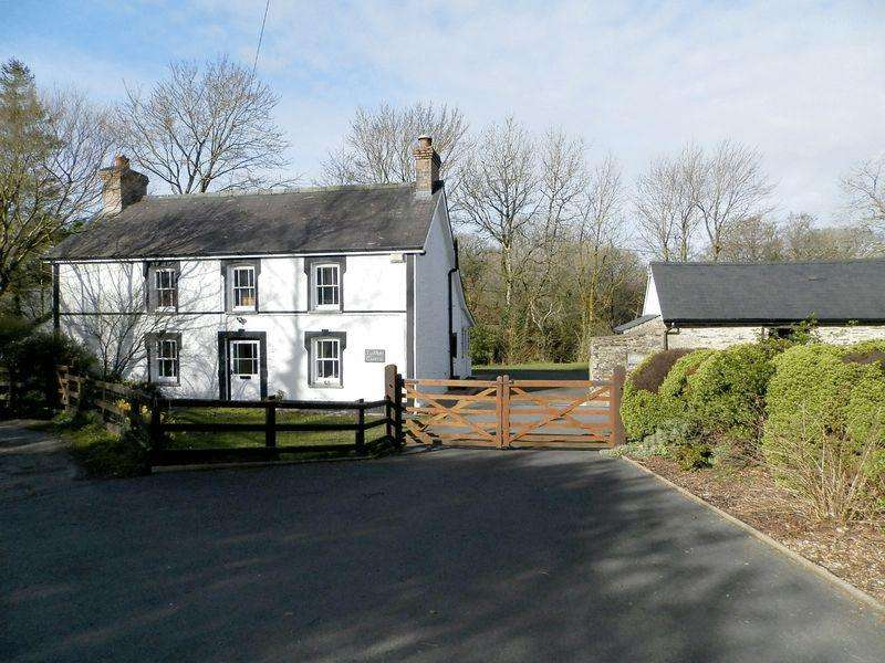 4 Bedrooms Detached House for sale in Eglwyswrw, Between Cardigan and Newport
