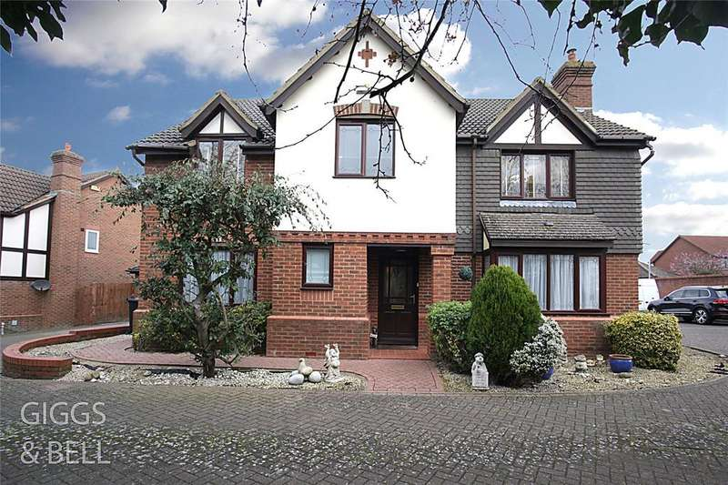 5 Bedrooms Detached House for sale in Badgers Gate, Dunstable, Bedfordshire, LU6