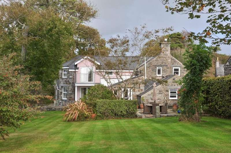4 Bedrooms Detached House for sale in Muriau, Criccieth, North Wales