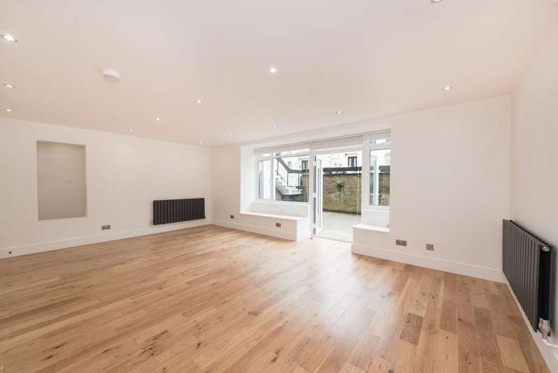 2 Bedrooms Flat for sale in Buckland Crescent, NW3