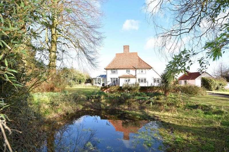 5 Bedrooms Detached House for sale in Bentley, Ipswich, IP9 2LT