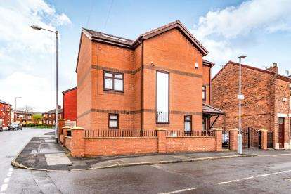 5 Bedrooms Detached House for sale in Board Street, Ashton Under Lyne, Tameside, Greater Manchester