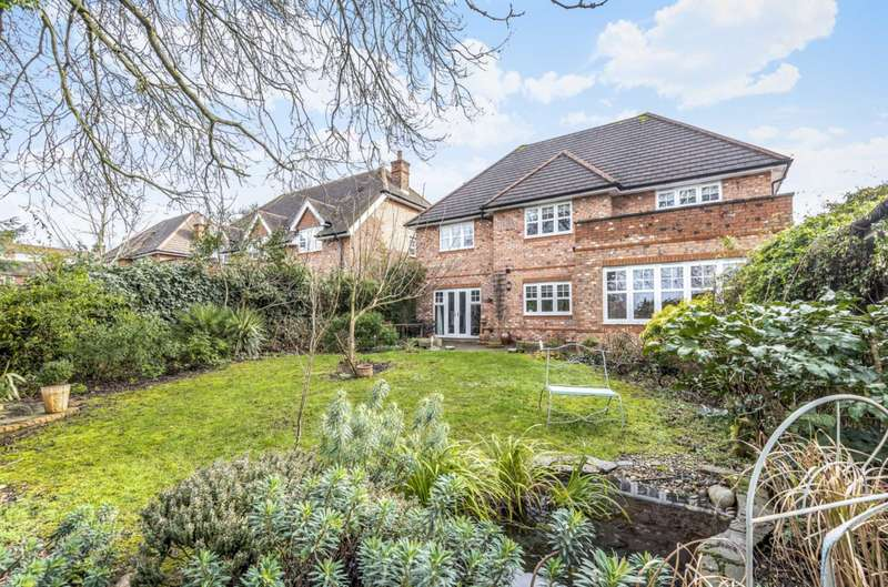 5 Bedrooms Detached House for sale in Stansfield Close, Reading