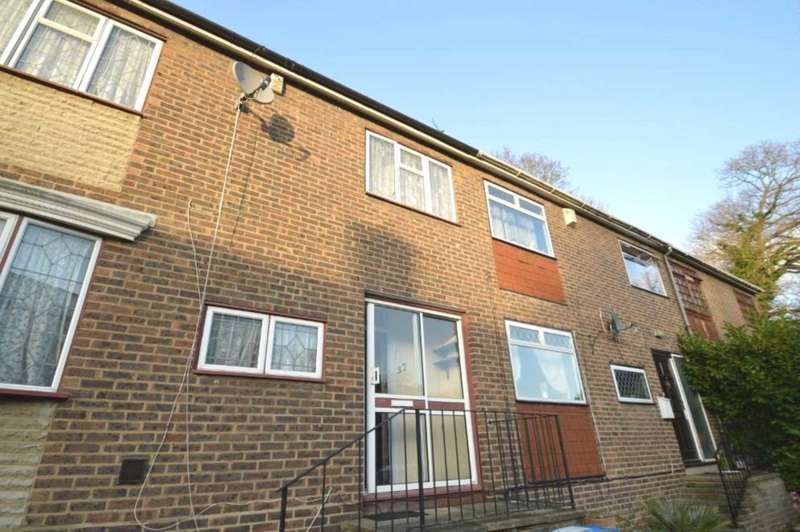 3 Bedrooms House for sale in Revell Rise, London, SE18 2NY