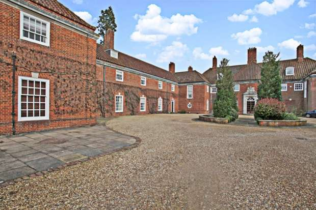 5 Bedrooms House for sale in Stockgrove Park House, Leighton Buzzard, Bedfordshire, LU7 0BB