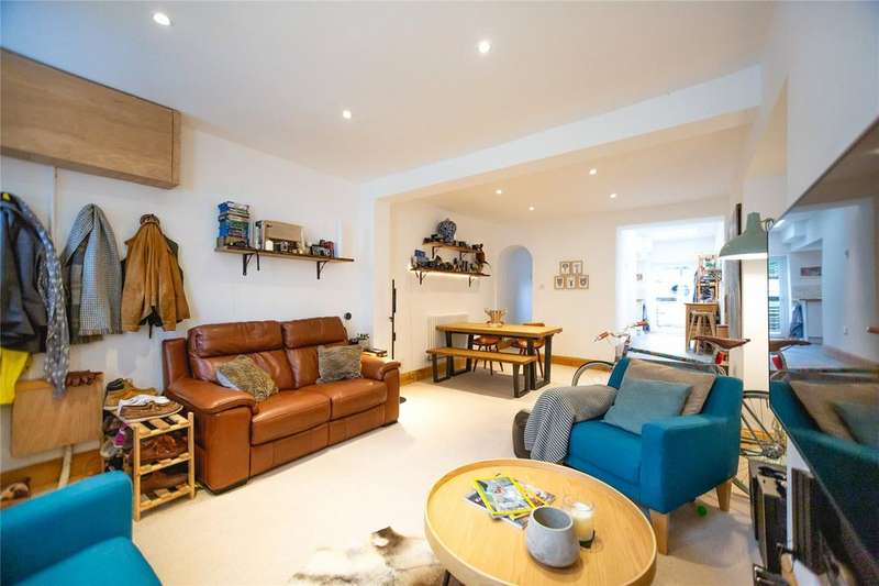 2 Bedrooms Terraced House for sale in King William Street, Southville, Bristol, BS3