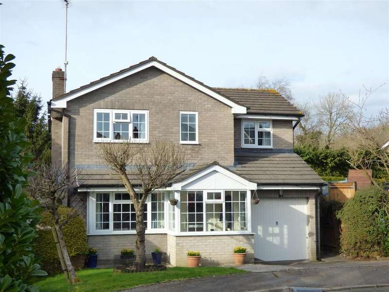 4 Bedrooms House for sale in Piercefield Avenue, Chepstow