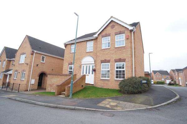 4 Bedrooms Detached House for sale in Pinkers Mead, Emersons Green, Bristol, BS16 7EJ