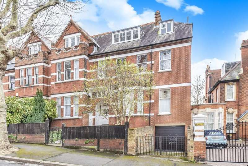 8 Bedrooms Semi Detached House for sale in Ardbeg Road, Herne Hill