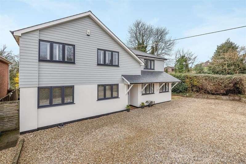 6 Bedrooms Detached House for sale in Barkham Road, Wokingham, Berkshire, RG41 4DL