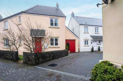 4 Bedrooms Link Detached House for sale in Camelford, Cornwall, Uk