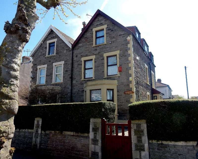 4 Bedrooms Semi Detached House for sale in Fishponds Road, BS5