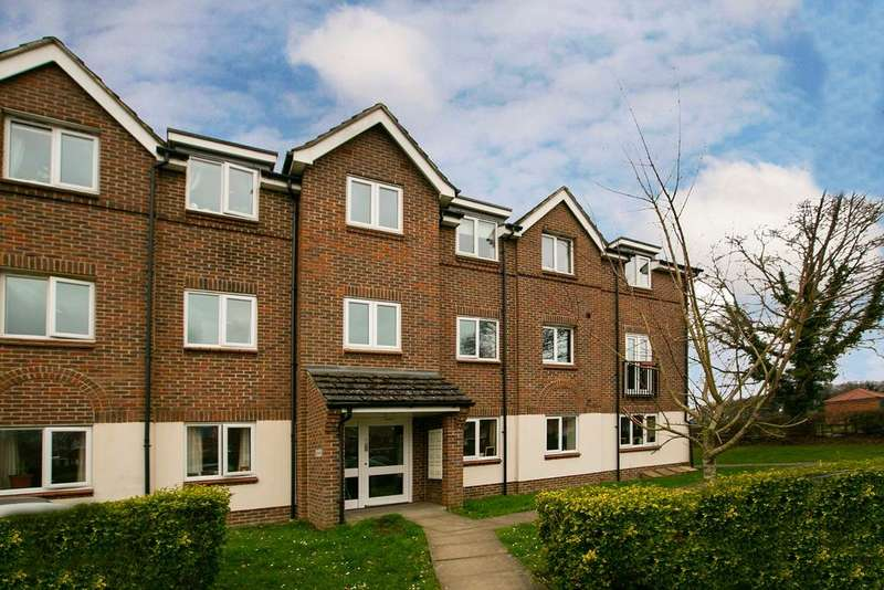 2 Bedrooms Apartment Flat for sale in Beatty Rise, Spencers Wood, Reading, RG7 1FQ