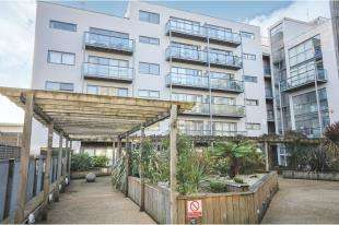 2 Bedrooms Flat for sale in Crown Place Apartments, 20 Varcoe Road, South Bermondsey, London