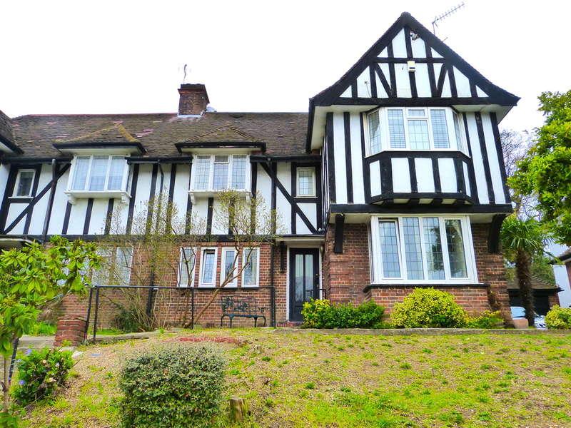 3 Bedrooms Maisonette Flat for sale in LYTTLETON ROAD, HAMPSTEAD GARDEN SUBURB, LONDON, N2