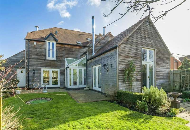 3 Bedrooms Semi Detached House for sale in Church Fields, Wixford, Alcester, Warwickshire