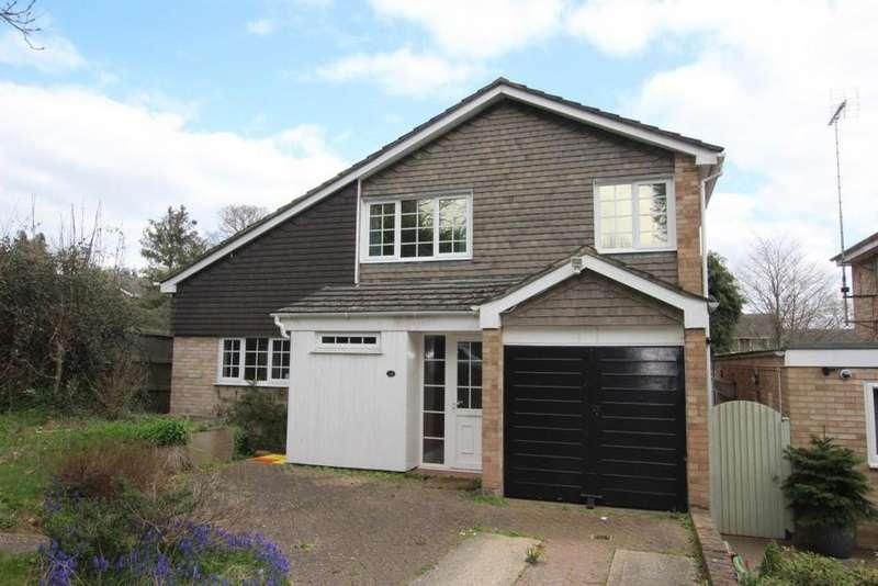 4 Bedrooms Detached House for sale in Blagrove Lane, Wokingham, RG41