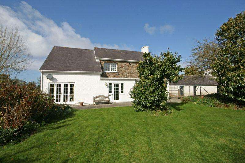 3 Bedrooms Detached House for sale in Llanfechell, Anglesey