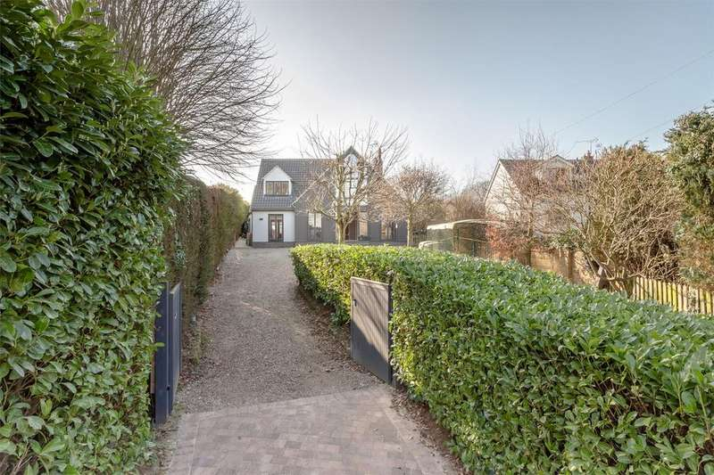 4 Bedrooms Detached House for sale in Long View, High Lane, Stansted Mountfitchet, Essex