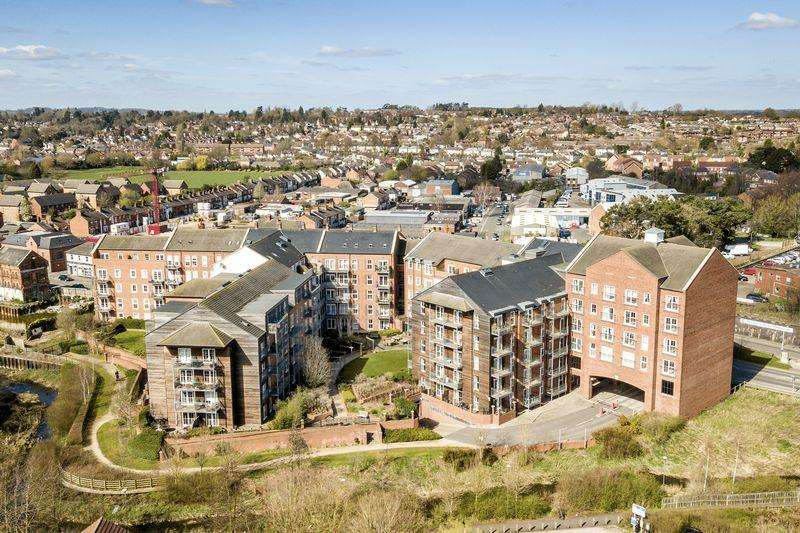 2 Bedrooms Apartment Flat for sale in Welland Place, St. Marys Road, Market Harborough