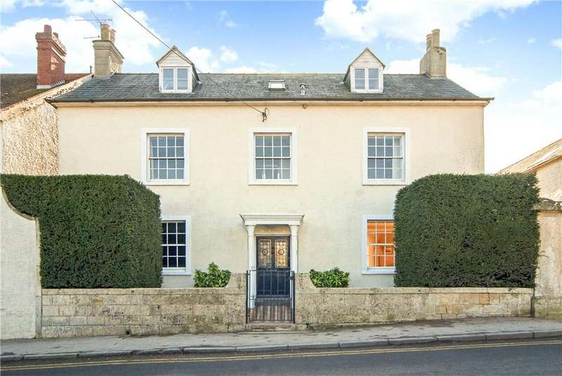 5 Bedrooms Detached House for sale in High Street, Blunsdon, Swindon, SN26