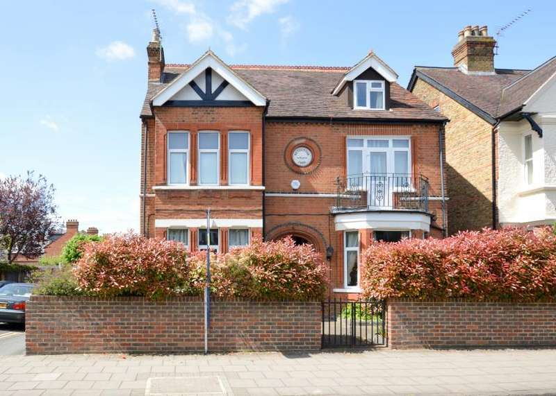 7 Bedrooms Detached House for sale in St Leonards Road, Windsor