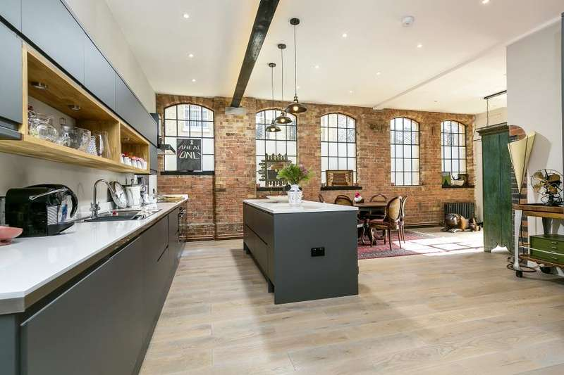 2 Bedrooms Flat for sale in Water Lane, Richmond