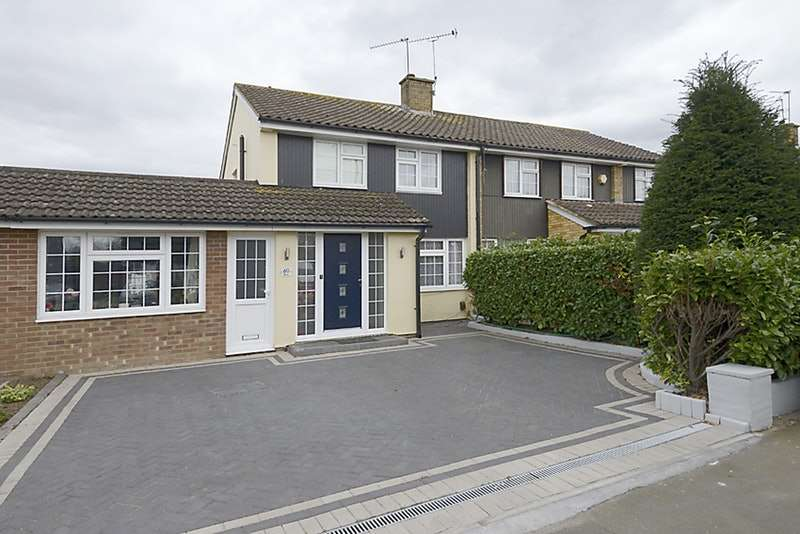 4 Bedrooms Semi Detached House for sale in Seacourt Road, Slough, Berkshire, SL3