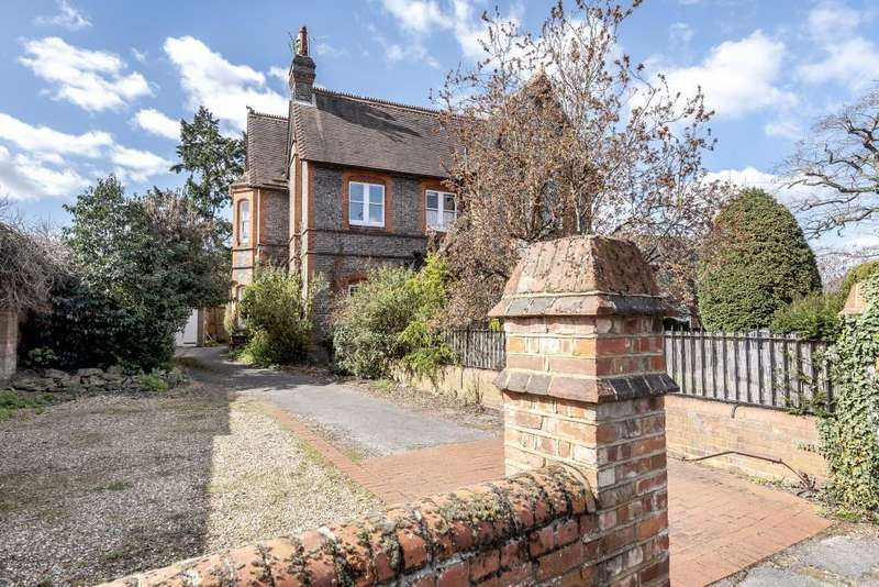 5 Bedrooms House for sale in Hamilton Road, Reading, RG1