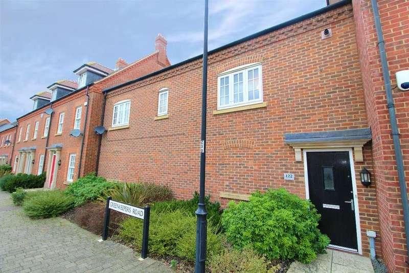 2 Bedrooms Terraced House for sale in Greenkeepers Road, Great Denham, MK40
