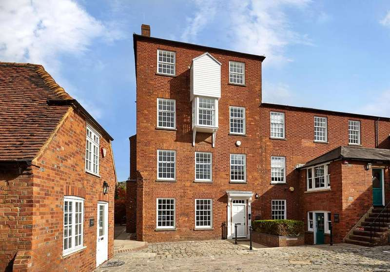 1 Bedroom Apartment Flat for sale in Brewery Court, Theale, Berkshire