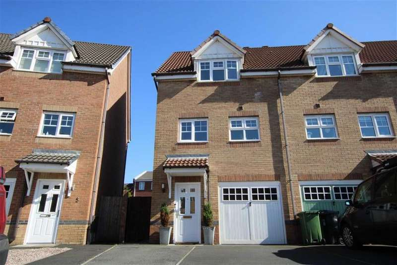 3 Bedrooms Town House for sale in Madison Gardens, Westhoughton, Bolton WATCH THE VIDEO TOUR