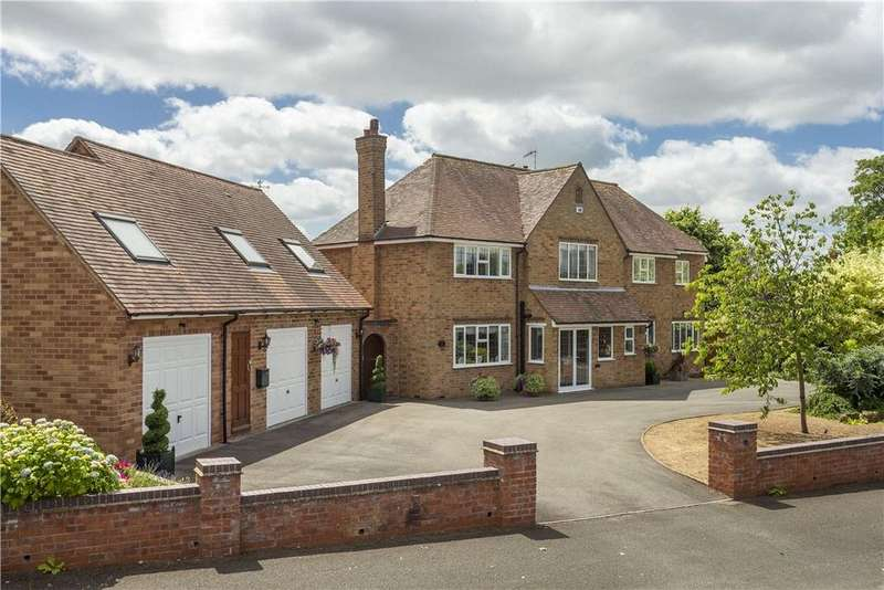 4 Bedrooms Town House for sale in Benson Road, Stratford-upon-Avon, Warwickshire, CV37
